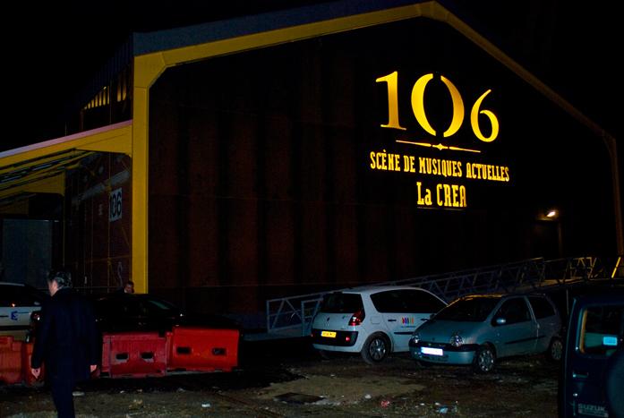 002_106-face-nuit